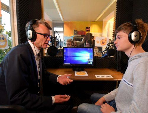 Pressebericht: Schüler-Radio mit dem Abgeordneten